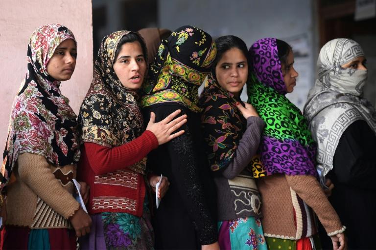 muslim-voter-young-girls-uttar-pradesh-2017