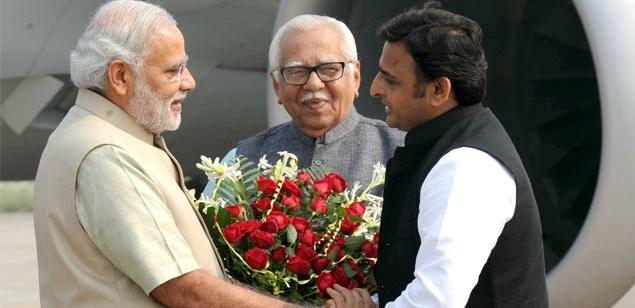 akhilesh with narendra modi, polite cm, hindi article