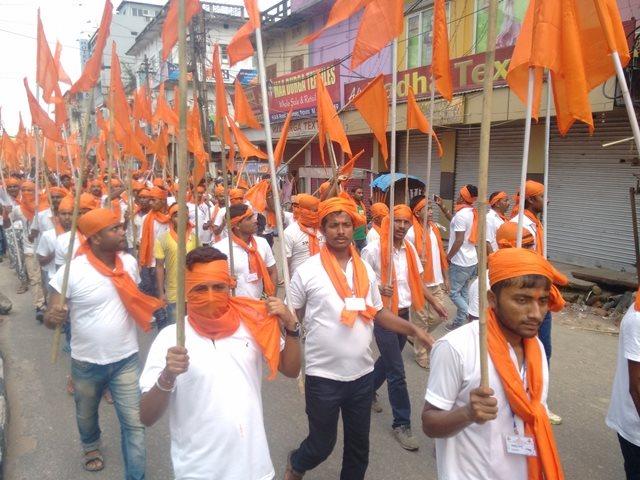 अयोध्या में जाती पाती भूल  हिन्दू एकता का भगवा सैलाब देख विपक्षी पार्टियां सकते में…कांग्रेस, समाजवादी पार्टी और जनता दल के होश उड़े !